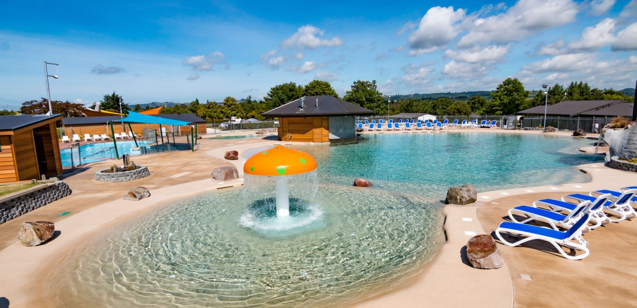 Sun Loungers NZ - Taupo Top 10 Holiday Park
