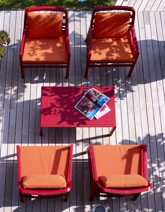 Aria Patio Setting – Aria 100 Coffee Table with Aria Chairs in Red Colour
