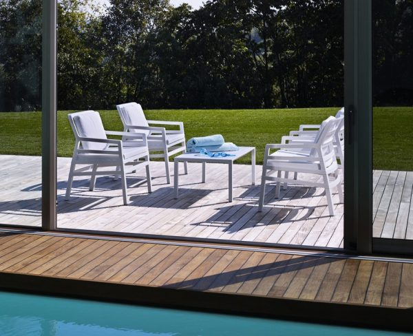Aria Patio Setting – Aria 100 Coffee Table with Aria Chairs in White Colour
